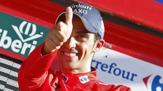 Alberto Contador in maglia rossa. Bettini