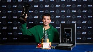 Stephen Grner, il vincitore dell'EPT di Praga. Neil Stoddart