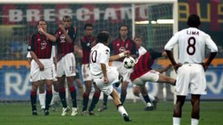 Un gol di Totti al Milan nella finale di Coppa Italia 2002-03. Omega