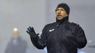 Eusebio Di Francesco, 45 anni, a bordocampo durante Sassuolo-Cesena. AP