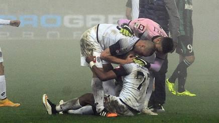 I giocatori del Cesena festeggiano Zé Eduardo, autore dell'1-1 al 93'. Getty Images