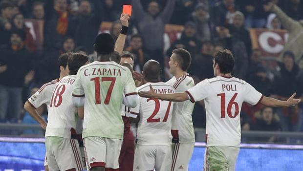 Rizzoli mostra il cartellino rosso ad Armero. Ap