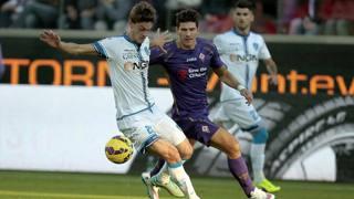 Daniele Rugani, contro Mario Gomez. Getty Images