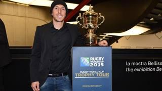 Tony Cairoli, 29 anni, 8 mondiali nel cross, con la coppa del mondo di rugby. Getty