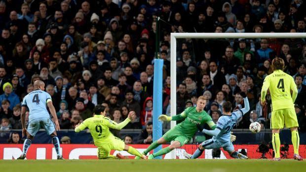Il secondo gol di Luis Suarez, 28 anni. LaPresse