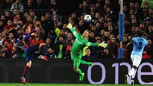 Rakitic supera Hart per l'1-0. Getty Images
