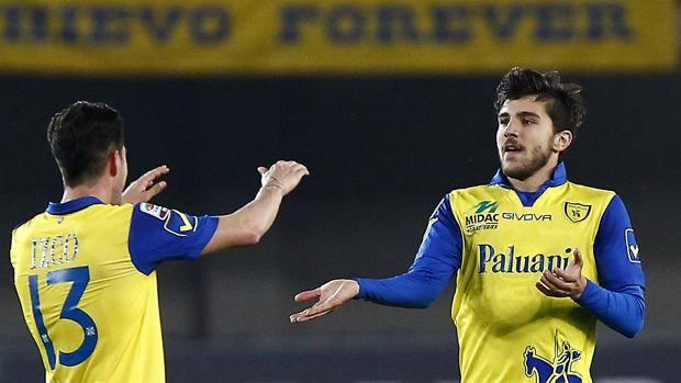 Mariano Izco e Alberto Paloschi, ora a quota 7 gol in campionato. LaPresse