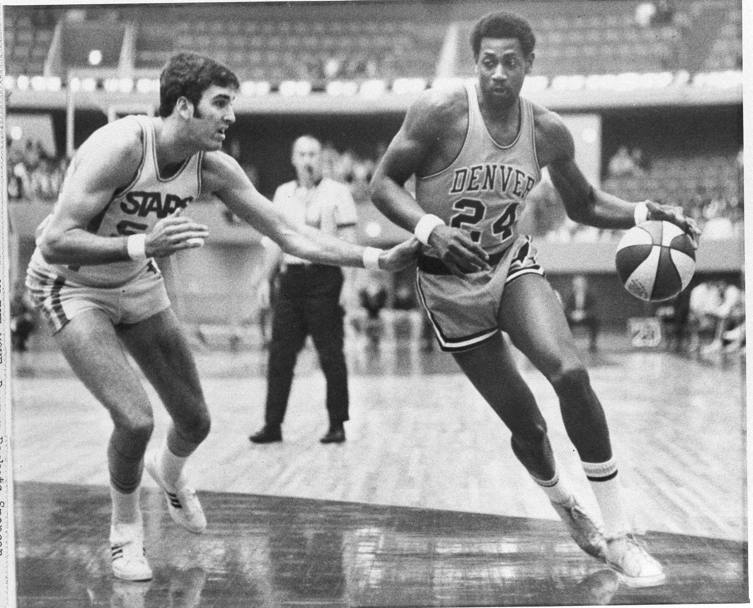 Spencer Haywood agli esordi con i Denver Rockets (Ap)