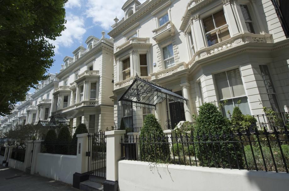 La nuova residenza di david e victoria beckham la for Registro casa schemi