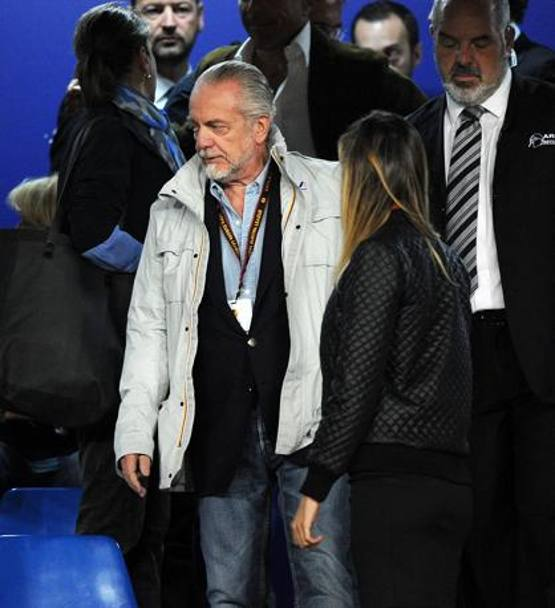 In tribuna c'� anche il presidente del Napoli Aurelio De Laurentiis. Getty Images