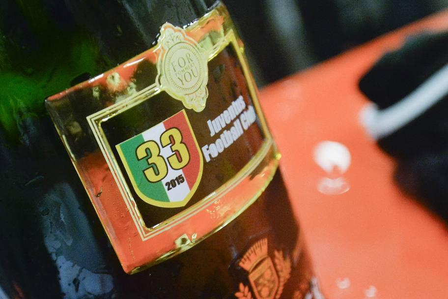 """""""Ювентус"""": обливание шампанским и массовые гуляния фанатов (Фото) - изображение 4"""