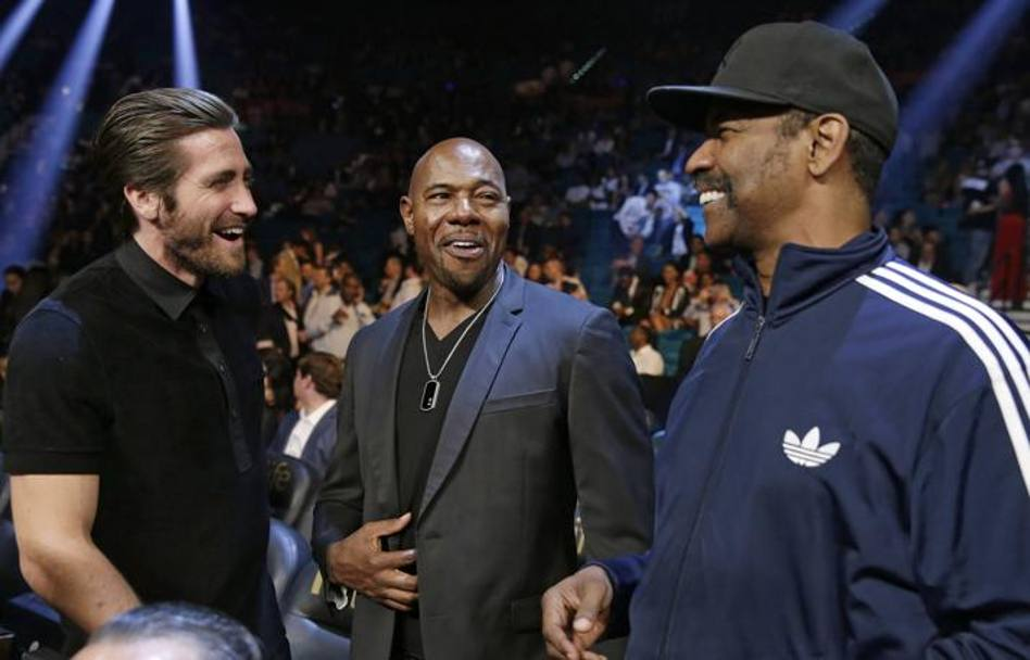 Denzel Washington in tuta con Jake Gyllenhaal e Antoine Fuqua. Ap