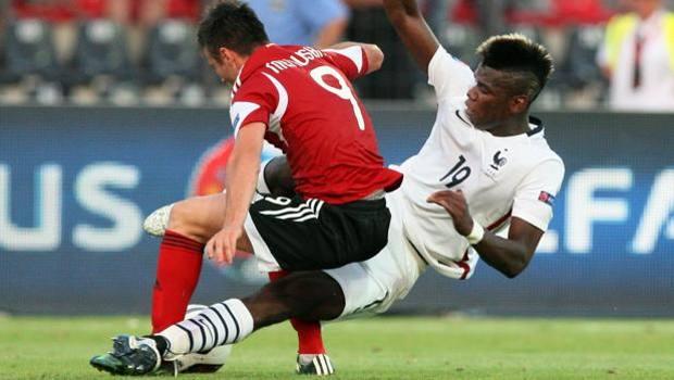 Pogba contro Memushaj nell''amichevole Albania-Francia. Afp