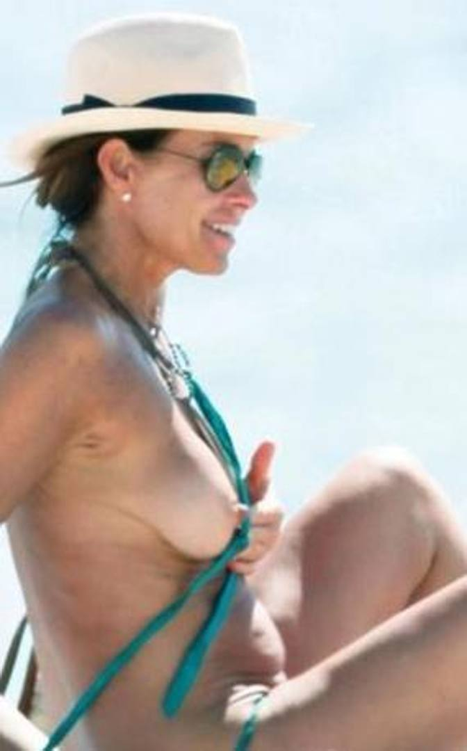 foto sexy cristina parodi   dirty moms movies