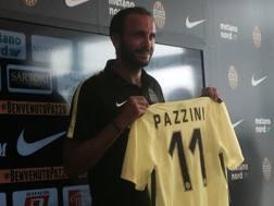 Giampaolo Pazzini, 31 anni il 2 agosto, con la nuova maglia