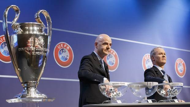 La Champions League e il segretario Uefa Gianni Infantino. Epa