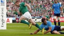 Keith Earls festeggia dopo la meta irlandese. Reuters