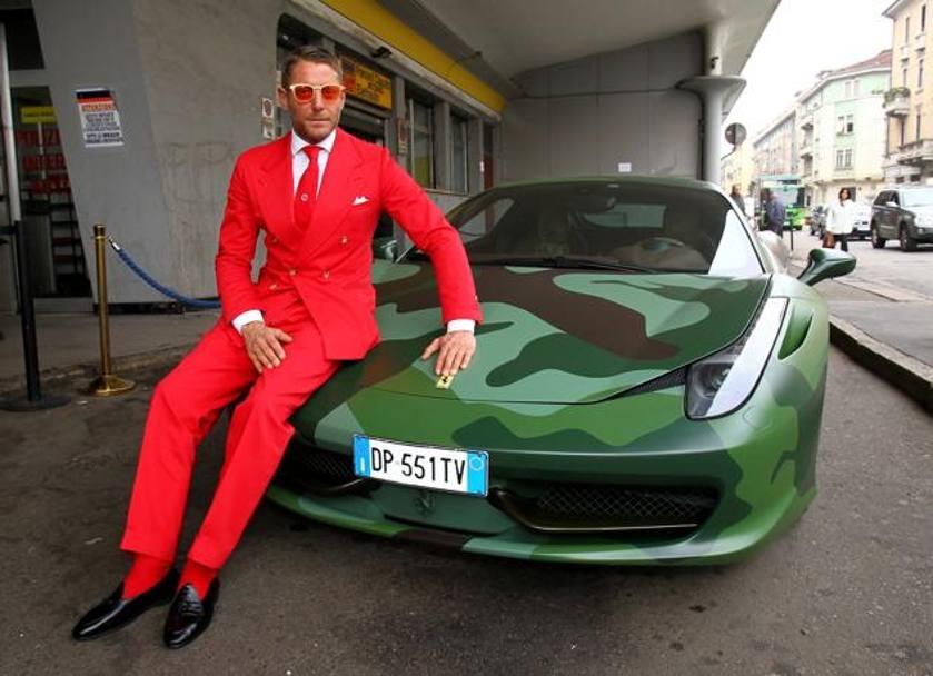 Lapo garage italia customs trova casa nella ex for 10 piani di garage per auto