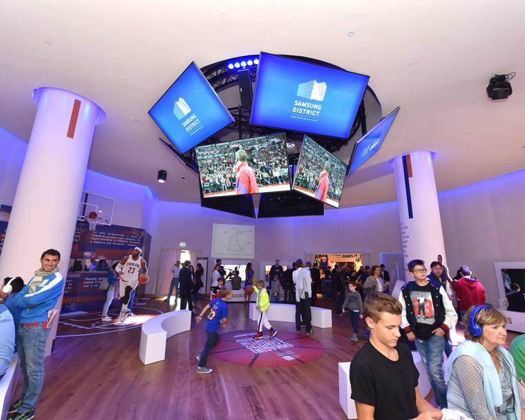 Nba l 39 enorme successo di immagini a canestro for Samsung arena milano