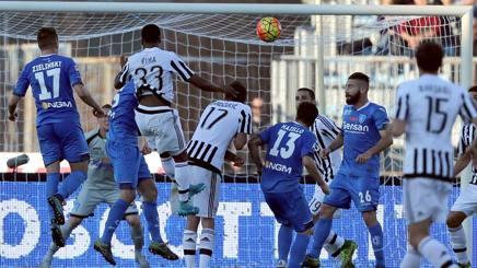 Il gol dell'1-2 messo a segno da Evra. Getty Images