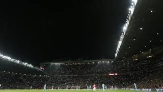 """Old Trafford, omaggio a George """"Simply The"""" Best"""