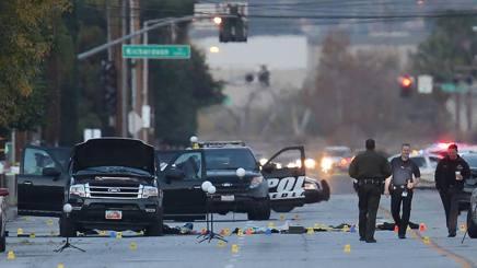 Il Suv dei due killer crivellato dai colpi della polizia. Afp