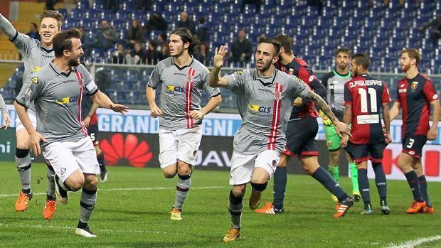 L'esultanza di Marras dopo il gol dell'1-0 per l'Alessandria. LaPresse