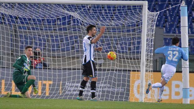 Il gol del 2-1 di Danilo Cataldi. Ansa