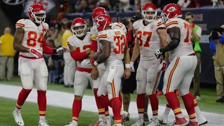 Spencer Ware (n.32) dei Kansas City Chiefs festeggia un touchdown a Houston. Afp
