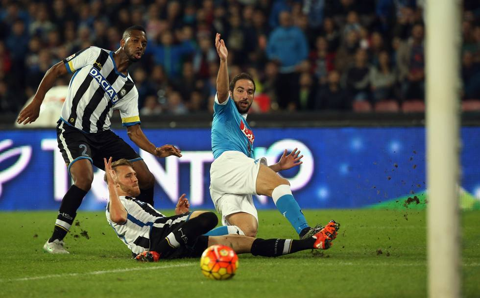 ... di sinistro (qui con l'Udinese) (Getty Images)