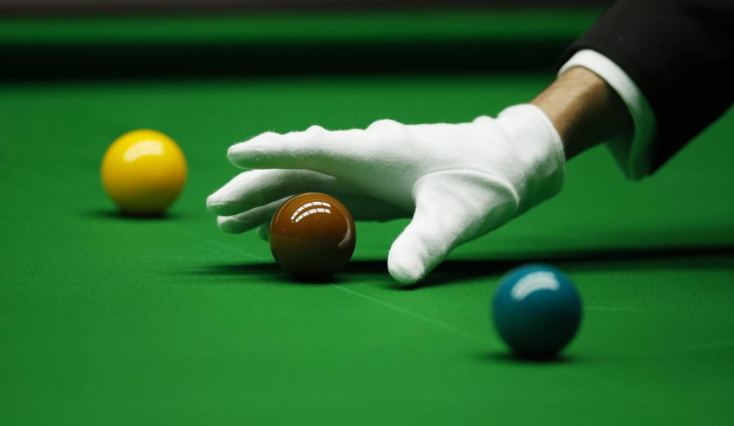 Snooker - Dafabet Masters: il guanto bianco dell'arbitro (Action Images)