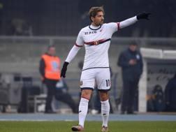 Alessio Cerci, 28 anni, attaccante del Genoa, ha debuttato domenica contro il Verona in maglia rossobl�. Ansa