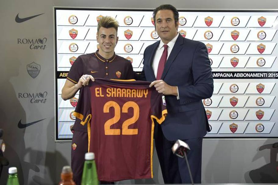 El Shaarawy con il CEO Italo Zanzi. Getty Images