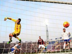 Viviano � battuto dal destro di Mounier per l'1-0 di Bologna-Sampdoria (Ansa)