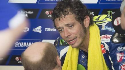 Valentino Rossi a colloquio con Silvano Galbusera. Getty