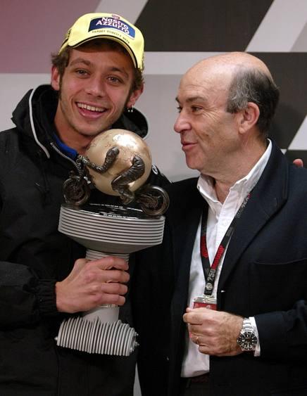 Valentino Rossi e Carmelo Ezpeleta. Afp