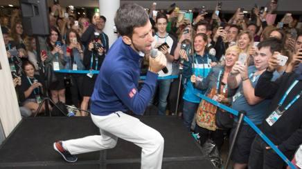 Con Djokovic � uno spasso ovunque... Afp