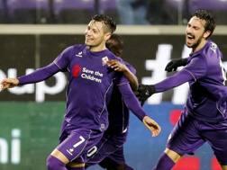 La Fiorentina festeggia il gol vittoria di Zarate con il Carpi, Ansa