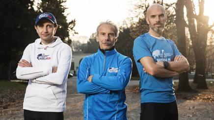 Giorgio Calcaterra, Giovanni Storti e Dario Marchini, blogger e direttore della corsa.