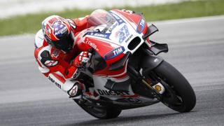 Casey Stoner, 30 anni, durante i test a Sepang in Malesia. Ap