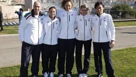 Le azzurre di Marsiglia: da sinistra capitan Barazzutti, Sara Errani, Martina Caregaro, Camila Giorgi e Francesca Schiavone. Epa