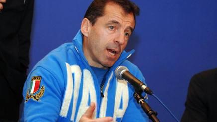 Pierre Berbizier, ai tempi in cui allenava l'Italia. Omega