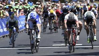 Il colpo di reni di Murphy e Bonifazio sul traguardo della terza tappa dell'Herald Sun Tour. Afp