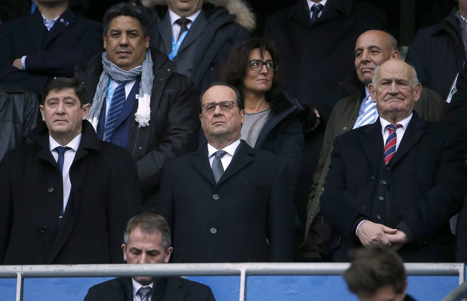 Il presidente Hollande assiste alla partita (Afp)