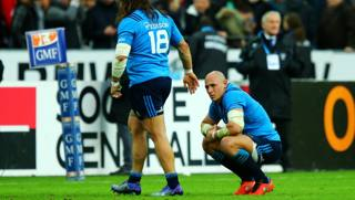 L'amarezza di Parisse a fine match. Getty