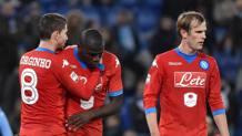 Jorginho, 24 anni, abbraccia Kalidou Koulibaly, 24 anni, bersagliato dai buu dei tifosi della Lazio. Ansa