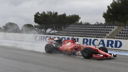 Sebastian Vettel ai test Pirelli 'bagnati', svolti a gennaio al Paul Ricard. Colombo