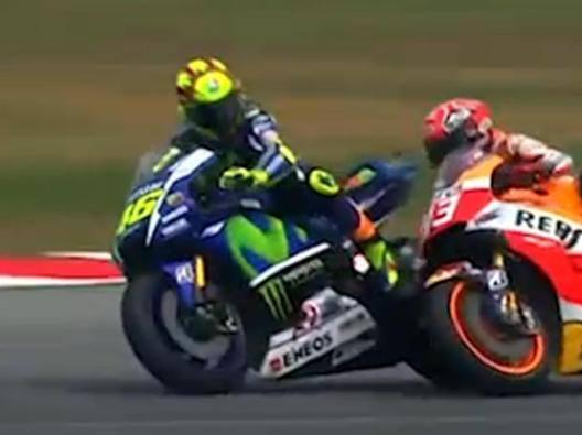 Rossi-Marquez, il contatto fatale in Malesia 2015. Ansa