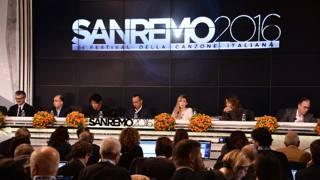 Il cast di Sanremo 2016 al completo. LaPresse