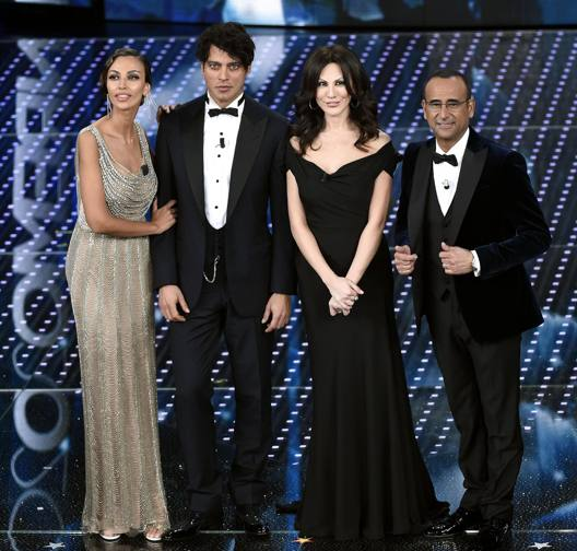 Madalina Ghenea, Gabriel Garko, Virginia Raffaele, Carlo Conti, Festival di Sanremo 2016. Ansa